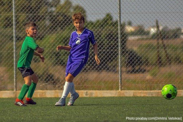 football-4559888_640
